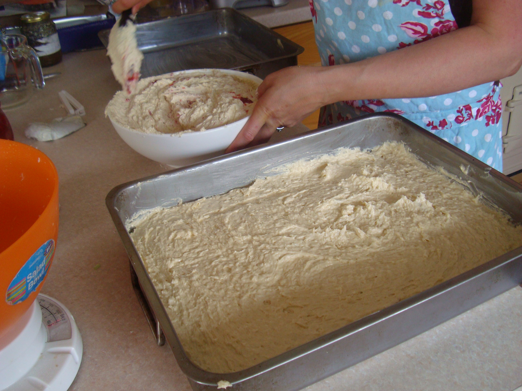 Quantities Of Sponge Mix For  And Inch Round Cakes